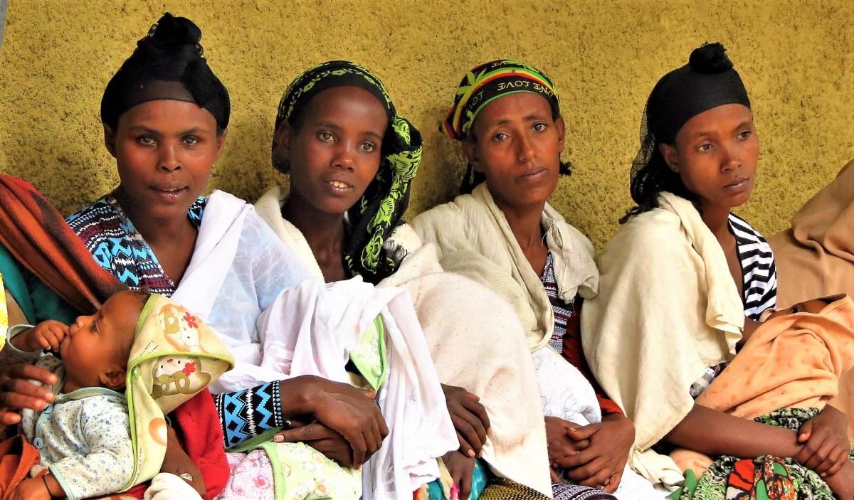 Maternidad y violación de derechos humanos africa alegria gambo alegria sin fronteras
