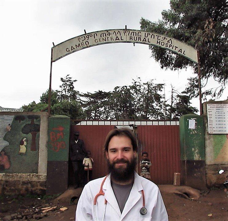 """Consejos que habría agradecido antes de """"ir de cooperación"""" actualidad africa alegria gambo alegria sin fronteras comunicacion dr alegria etiopia gambo rural hospital hospital noticias el pais pensamientos voluntariado"""