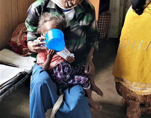 Empoderando a las Mujeres Etíopes que salvan vidas cada día contra la desnutrición en Etiopía africa alegria gambo alegria sin fronteras