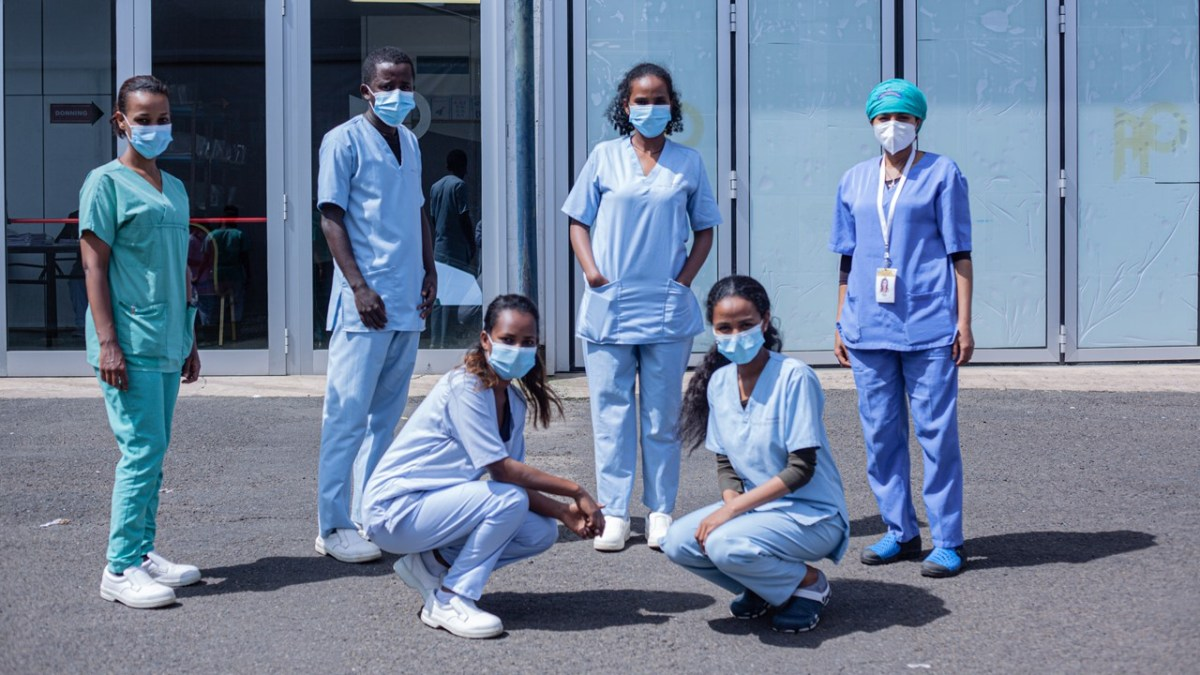 Etiopía: Excelentes profesionales en primera línea actualidad africa alegria coronavirus dr alegria ebola emergencias enfermedad enfermeria gambo rural hospital guerra hospital hospital general de granollers malaria marasmo muac sida vih terrorismo tuberculosis