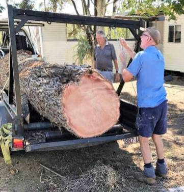 Cooroora Woodworkersclub Milling Team Collecting Wood