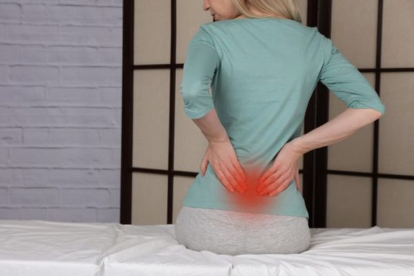 Female-with-back-pain