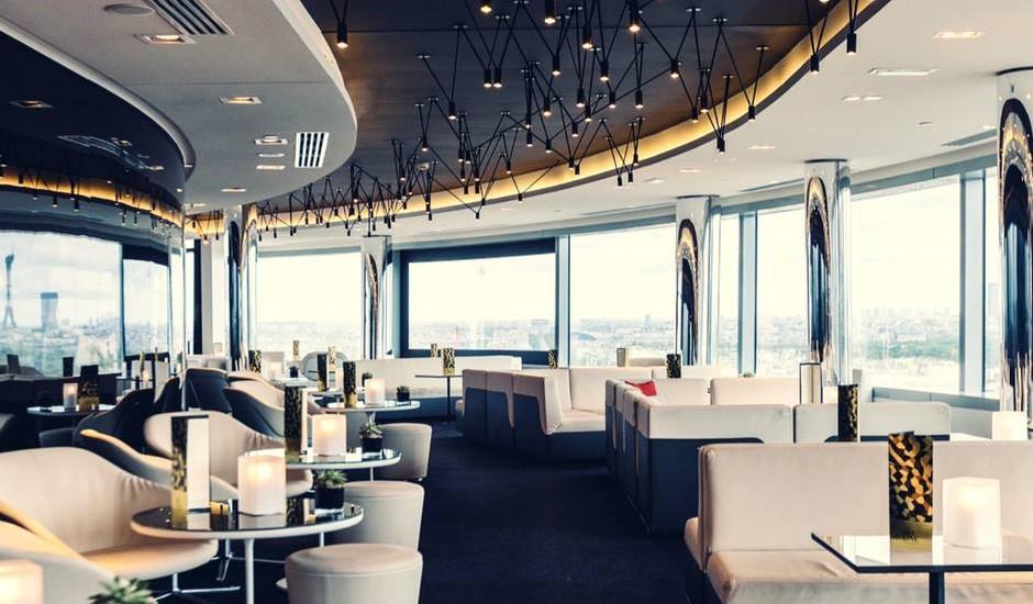 Boire un verre à La Défense skyline bar melia