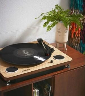 L AVANT GARDISTE – Platine Vinyle avec haut-parleurs intégrés – Ion