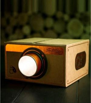 L AVANT GARDISTE – Projecteur pour smartphone