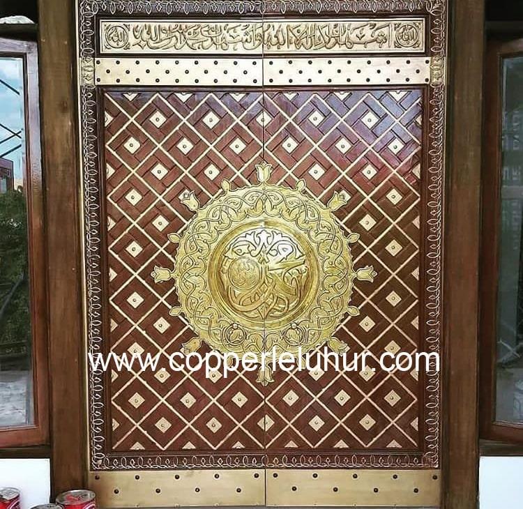 Replika Pintu Nabawi, sumber : Copper Leluhur