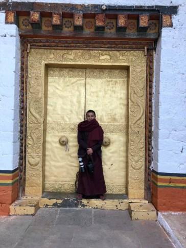 2.2 Bhutan Chencho and gold doors 57028978_10215835892944494_4024525136790028288_n