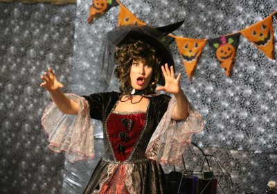 witch switch show, witch performing at a halloween party