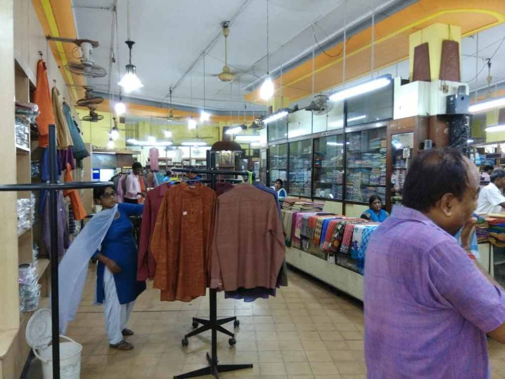 Hustle and bustle of buying Khadi in Kolkata