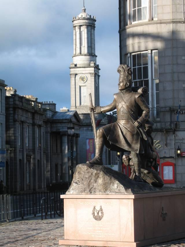 Aberdeen Arts Centre with Gordon Highlander