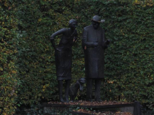 """The bronze sculpture """"Dei Muese von Aite"""" (Lower German for The Mice of Oythe) based on a poem about two mice living in the vicarage house when they are driven out by a new cat. You can see the vicar, his housekeeper and the cat, though I did not capture the mice."""