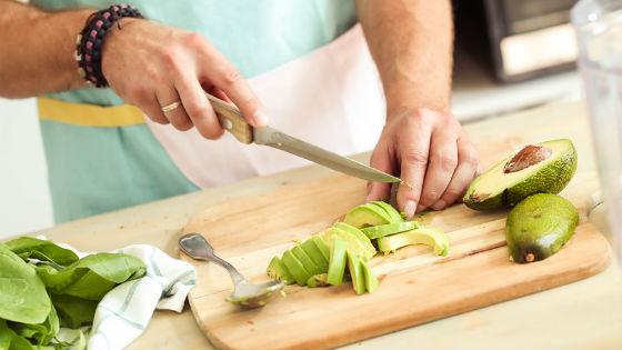 Приготовление салатов и фруктовых десертов