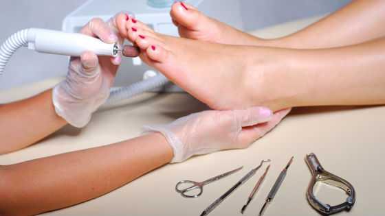 Аппаратная обработка ступней и ногтей ног