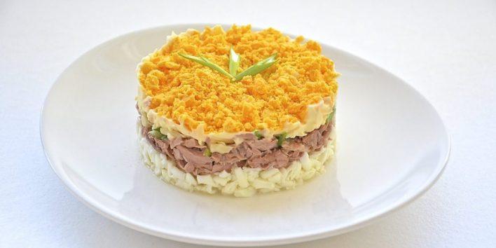 Диетический вариант любимого салата «Мимоза» с тунцом