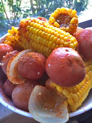 Red potatoes, fresh shucked corn and onions I bought them boiled at home.