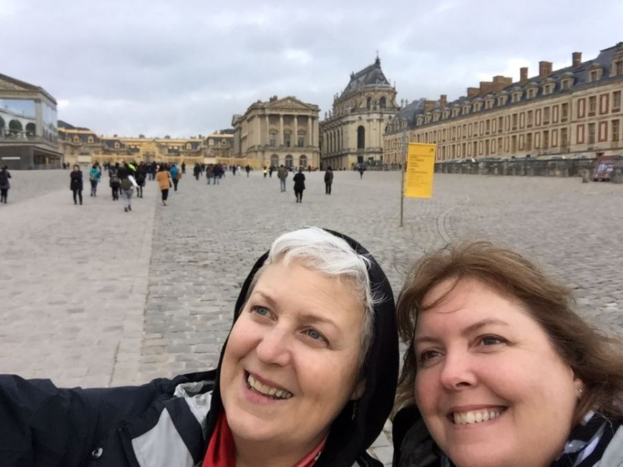 Lisa Turocey and sister Debra Edhlund visiting the Palace of Versailles before the Paris Massacre on Friday.