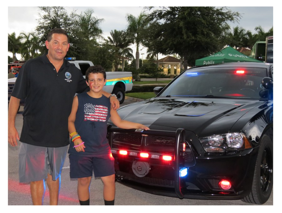 Parkland Mayor Michael Udine with a resident at last year's National Night out.