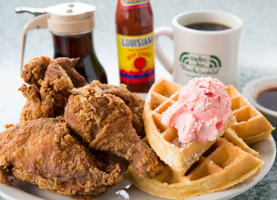 Fried-Chicken-Waffles