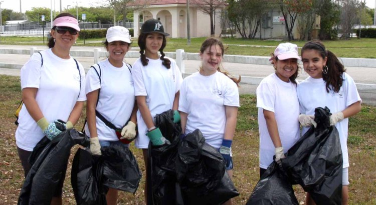 Earn Service Hours Volunteering in the 40th Annual Broward Waterway Cleanup