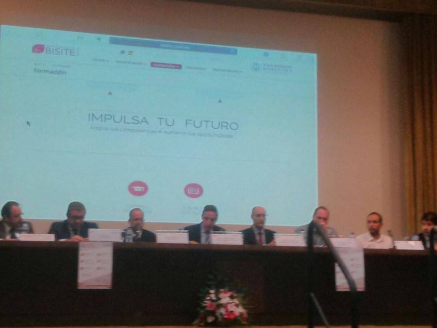 Juan Manuel Corchado - Junto a un grupo de empresarios del sector de las TIC en Salamanca presentanto los Títulos Propios de la Universidad de Salamanca coordinados por el grupo BISITE