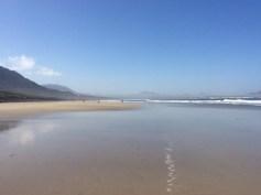 La spiaggia di Farama verso sud, e con la bassa marea