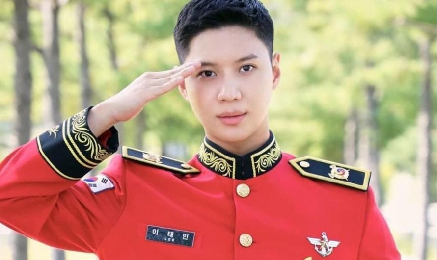 Taemin fala sobre sua vida militar e posa para fotos da banda militar