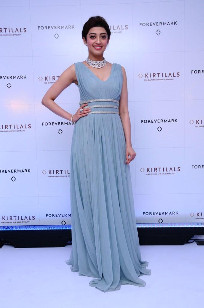 Pranitha Subhash at the launch of Forevermark Diamond at Kirtilals Bangalore (5)
