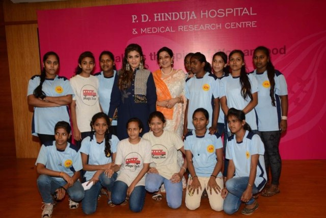 Raveena Tandon Moushumi Chatterjee celebrate women's day with kids at P.D.Hin_