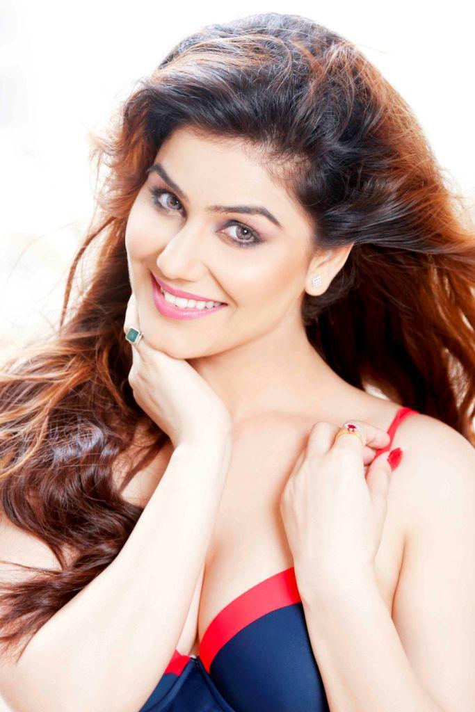 Kangna Sharma36