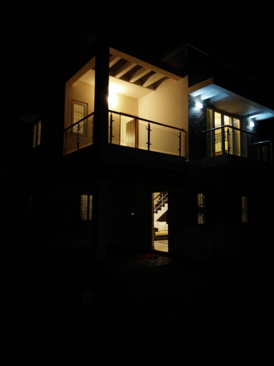 12-night-view-from-outside