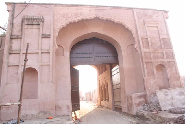 fort-gobindgadh-front-gate