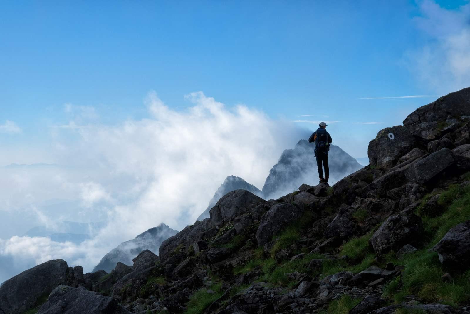 山にまつわる怖い話『妻の荷造り』|洒落怖・山の怪談