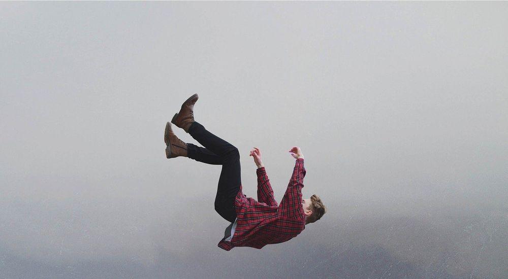 『ゆっくり落下』など短編5話|子供の頃の不思議な記憶・奇妙な体験まとめ
