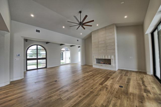 8901 Calera Dr Austin TX 78735-large-013-88-Living Room-1500x1000-72dpi