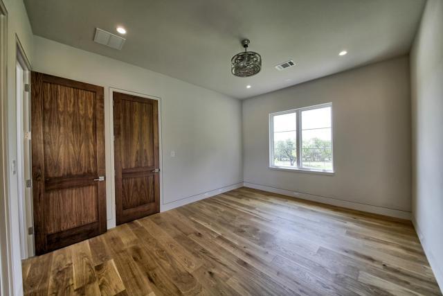 8901 Calera Dr Austin TX 78735-large-058-32-Bedroom 3-1500x1000-72dpi