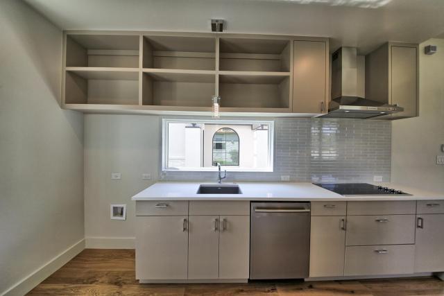 8901 Calera Dr Austin TX 78735-large-086-45-Apartment Kitchen-1500x1000-72dpi