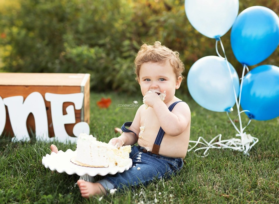 first-birthday-milestone-session