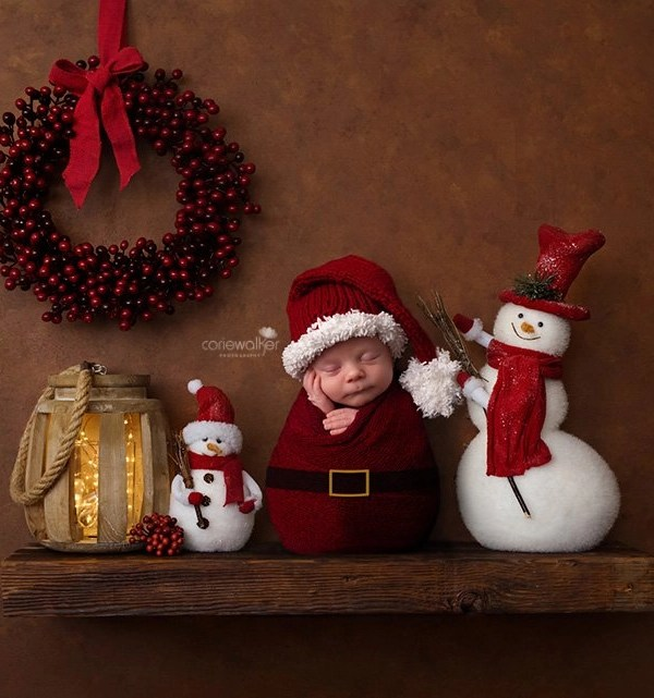 Christmas Newborn Photos | Ohio Baby Photographer