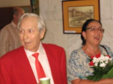 """Emil Şain și dr. Livia Brânzan la lansarea volumului de versuri, """"M-am îndrăgostit de Mona Lisa"""", 2012"""