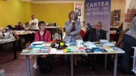 """Lansare de carte """"Dorziana - o (re)construcţie a textului prin limbaj"""", Florina-Maria Băcilă, Salonul Hunedorean al Cărţii, 2016"""