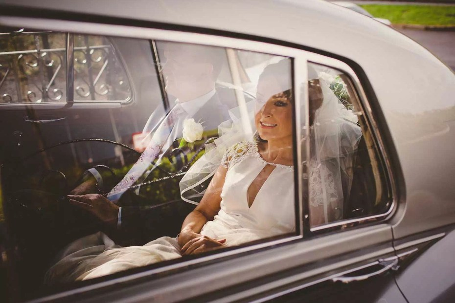 Wedding_car_bride_at_Cromleach_2015_0028