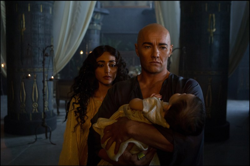 DF-00318 - Rameses (Joel Edgerton) and his wife Nefertari (Goldshifteh Farahani) try to save their stricken child, a victim of one of the Plagues.