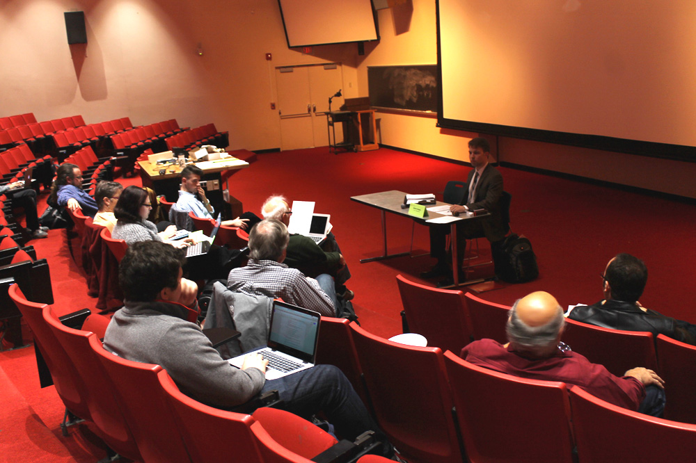 The University Assembly discusses the visibility of carbon neutrality goals at its Tuesday meeting.