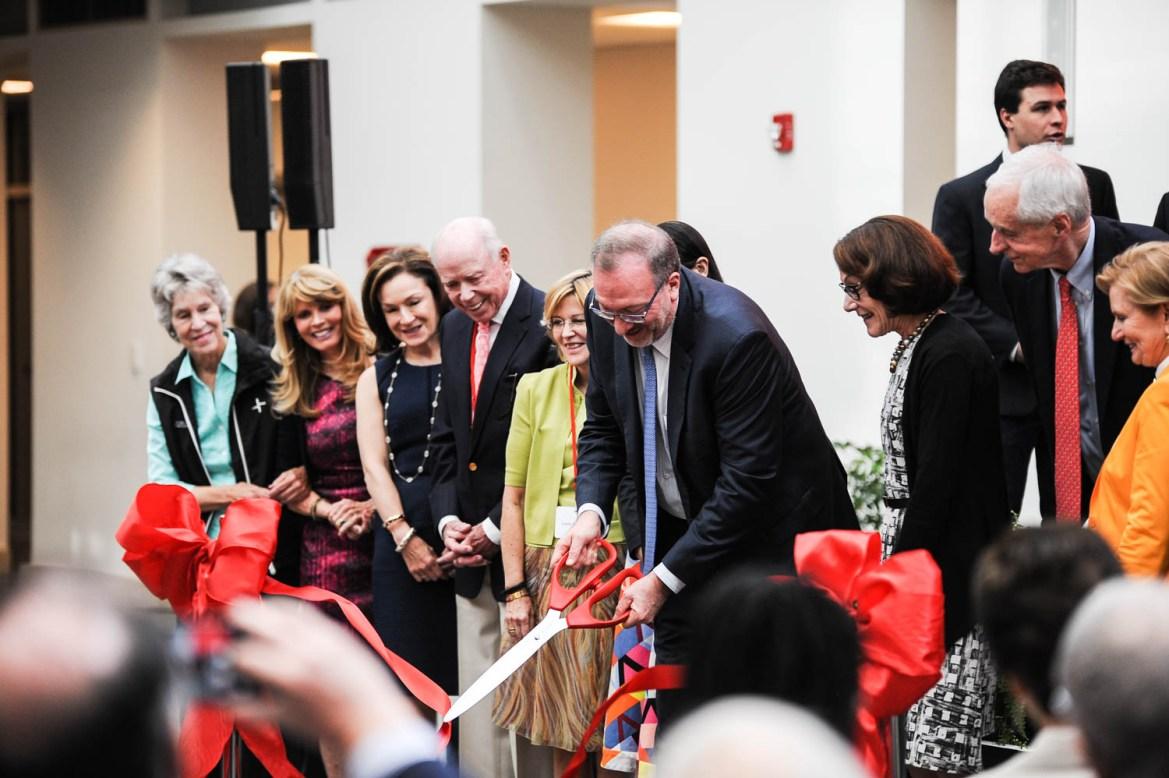 Seth Klarman and Interim President Hunter Rawlings dedicate Klarman Hall at Tuesday's ceremony.