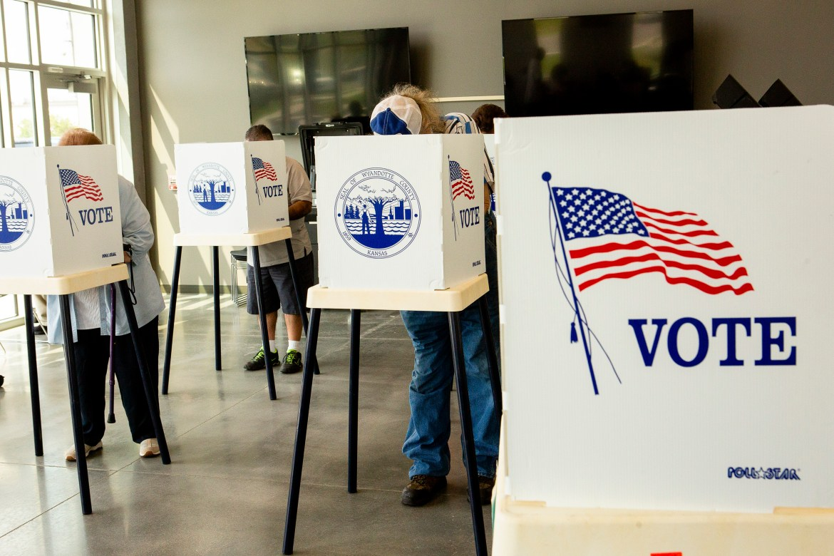 Multiple student organizations encourage students to register to vote in anticipation of midterm elections.