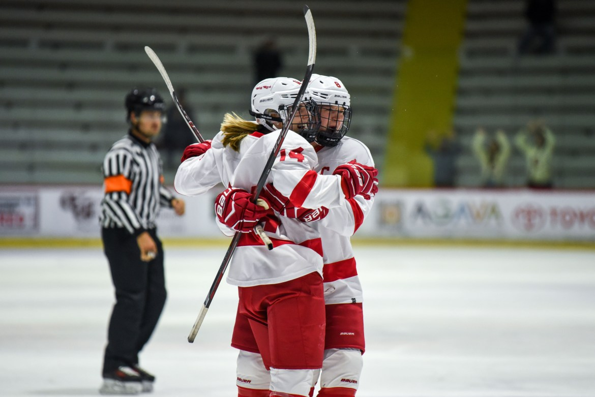 Women's hockey took down Harvard 3-2 this weekend in nail-biter which saw Lenka Serdar and Diana Buckley reach the 100 games played milestone.