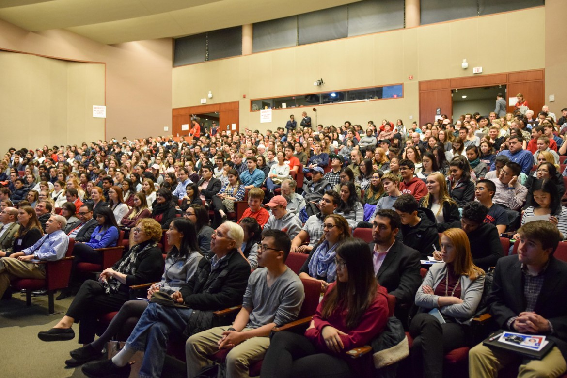 Dr. Elisabeth Rosenthal speaks to a full auditorium about healthcare at Kennedy Hall on October 30th, 2017. (Boris Tsang/Sun Photography Editor)