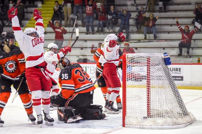 Cornell took an early 2-0 lead in Sunday's ECAC championship game.