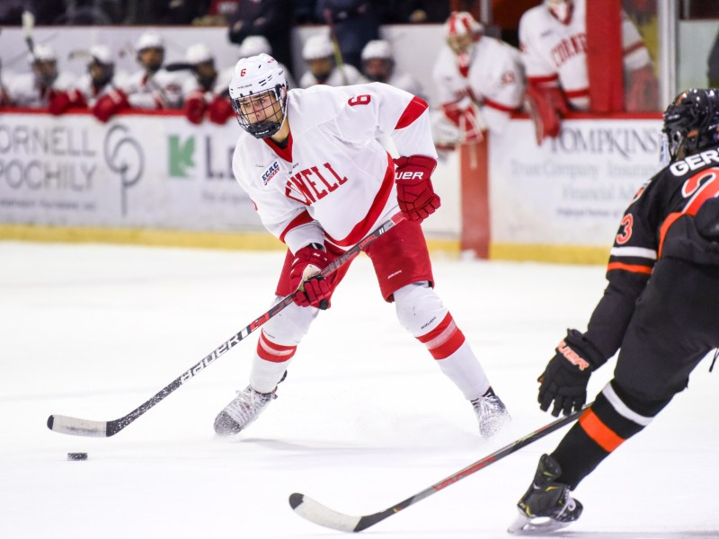 The Tampa Bay Lightning announced the signing of senior defenseman Alex Green, who was selected by the team in the 2018 NHL Entry Draft in the fourth round.