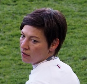 Linda Bresonik verteidigt beim MSV Duisburg - Foto: Uta Zorn